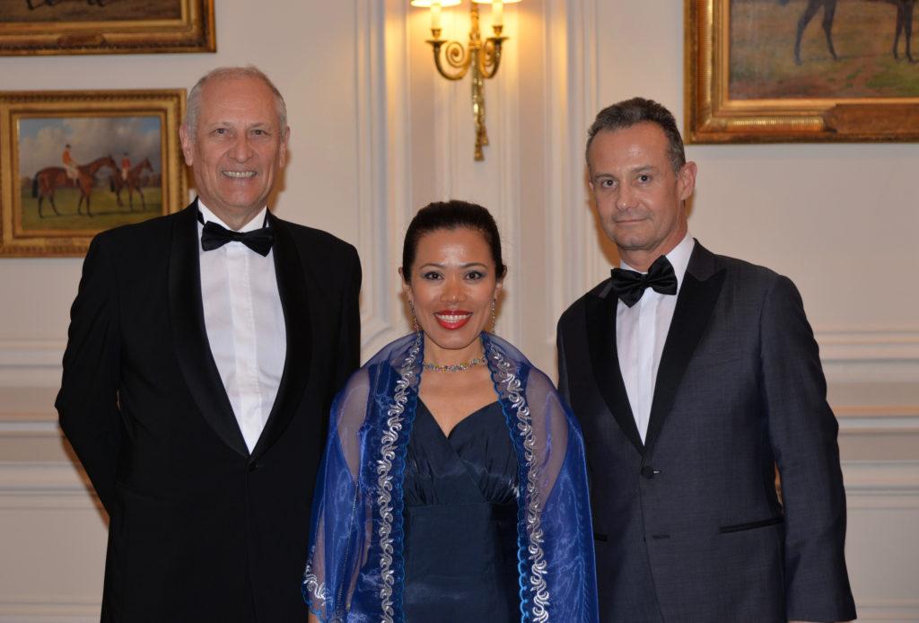 M. et Mme Yves DUMONT - Francis BAILLET