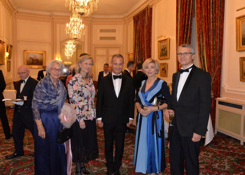 Hélène QUEILLE - Armelle CEGLEC - Francis BAILLET - Leonid KADYCHEV – Directeur du centre culturel et spirituel orthodoxe russe et son épouse